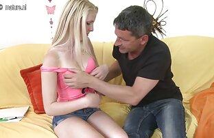یک مرد همسر عکسسکسی الکسیس تگزاس دوست خود را روی یک مبل تاشو کوبیده است