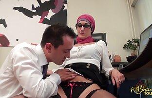 مربی تصاویر سکسی از الکسیس الاغ دو زیبایی سیاه را نوازش کرد و دهانی به آنها داد