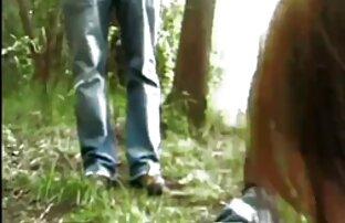میلف در حیاط خلوت در بیکینی سیاه می عكس سكسي الكسيس چرخد و آب استخر را از آب در می آورد