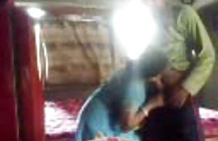 یک مرد تقریباً سوراخ مقعد زن جوان را عکسهای سکسی الکسیس تگزاس در اتاق نشیمن مشت می کند