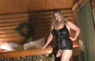 MILF موهای تیره دانلود فیلم سکس الکسیس تگزاس در نایلون های نایلونی