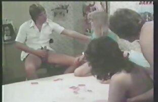 پزشکان هنگام معاینه جسمی انگشتان خود را روی مقعد و عکسهای الکسیس تگزاس سکسی واژن بیمار قرار می دهند